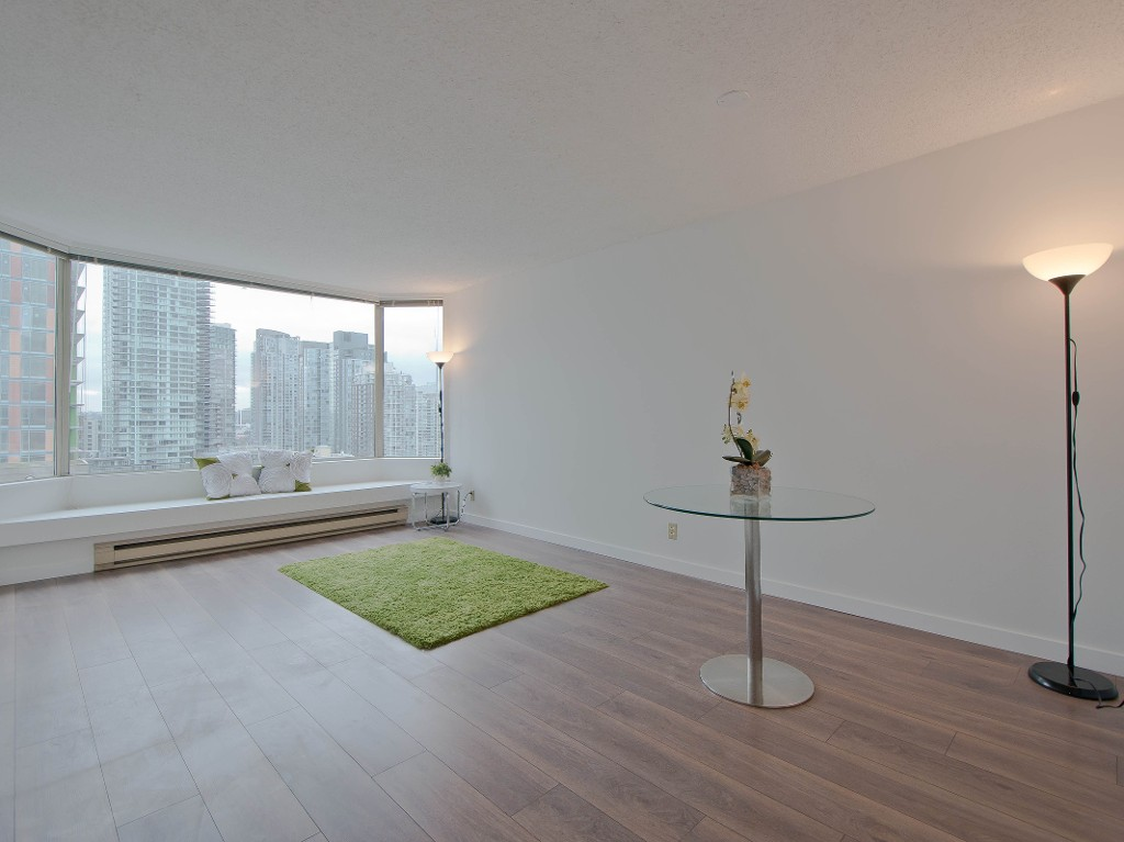 "Main Photo: # 1001 1330 HORNBY ST in Vancouver: Downtown VW Condo for sale in ""HORNBY COURT"" (Vancouver West)  : MLS®# V1039253"
