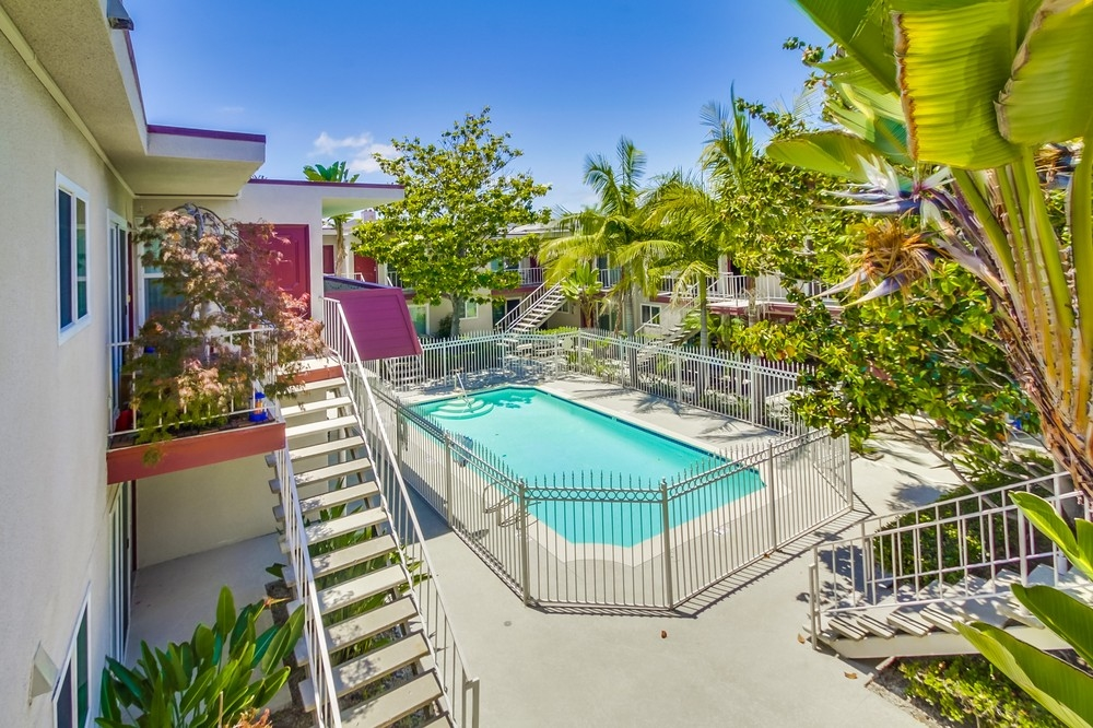 Photo 7: UNIVERSITY HEIGHTS Condo for sale : 1 bedrooms : 4747 Hamilton St #21 in San Diego