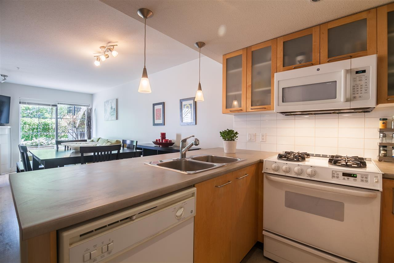 "Photo 3: 24 9339 ALBERTA Road in Richmond: McLennan North Condo for sale in ""TRELLAINE"" : MLS(r) # R2081055"