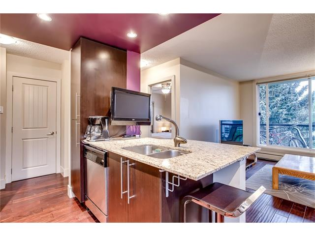 Photo 3: 405 1231 17 Avenue NW in Calgary: Capitol Hill Condo for sale : MLS® # C4092978
