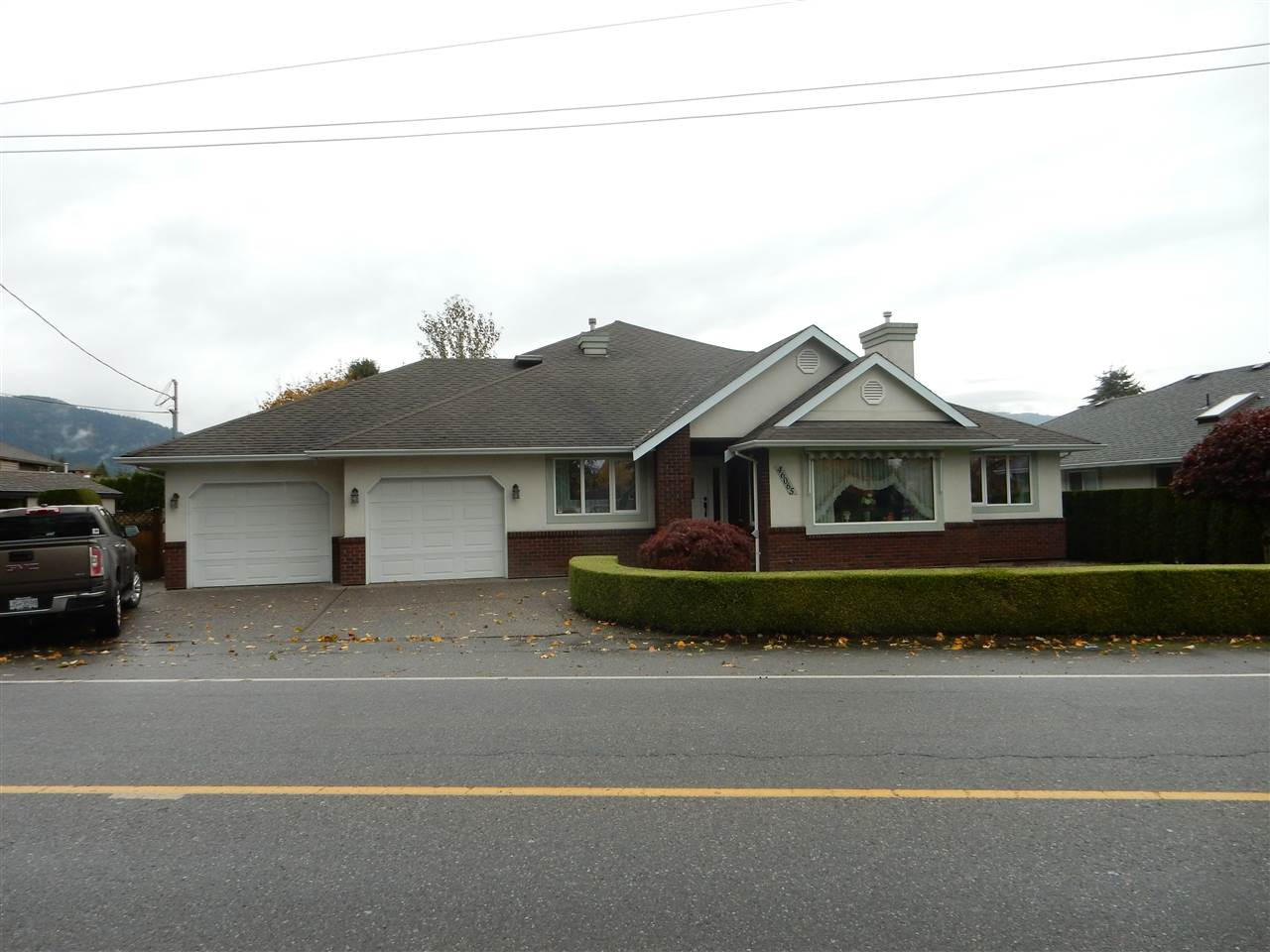 Main Photo: 46065 HOPE RIVER Road in Chilliwack: Fairfield Island House for sale : MLS® # R2136120