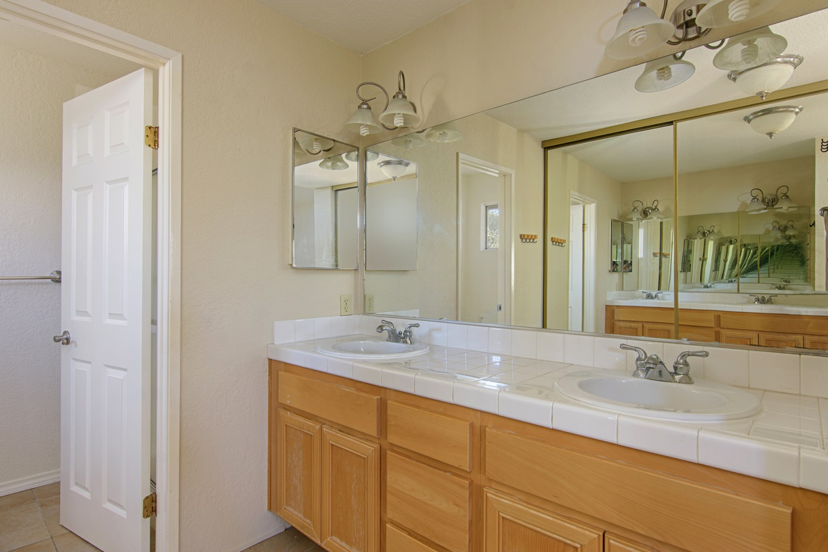 Photo 17: SAN DIEGO Townhome for rent : 3 bedrooms : 4754 68th Street Unit B
