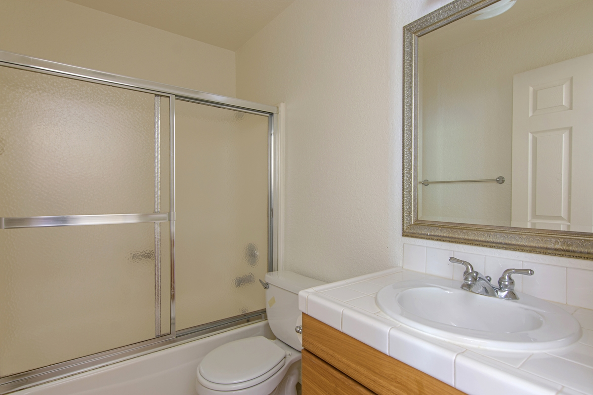 Photo 11: SAN DIEGO Townhome for rent : 3 bedrooms : 4754 68th Street Unit B