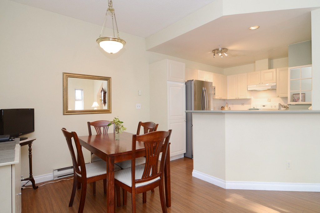 Photo 8: 44 2422 HAWTHORNE Avenue in Port Coquitlam: Central Pt Coquitlam Townhouse for sale : MLS(r) # R2136928