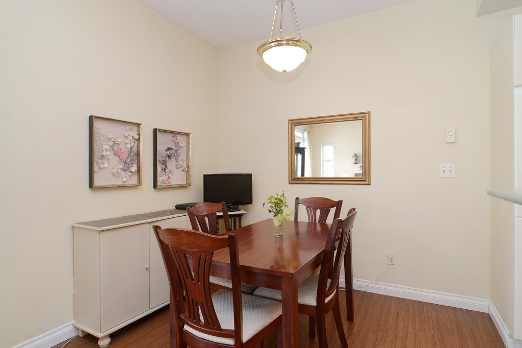 Photo 7: 44 2422 HAWTHORNE Avenue in Port Coquitlam: Central Pt Coquitlam Townhouse for sale : MLS(r) # R2136928