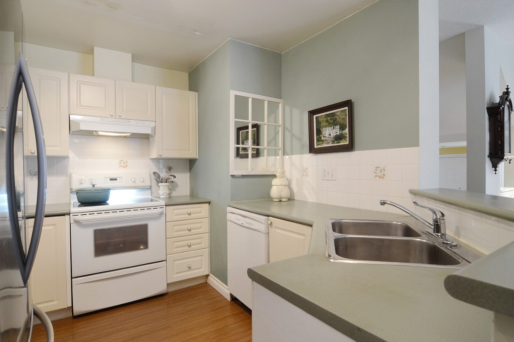 Photo 9: 44 2422 HAWTHORNE Avenue in Port Coquitlam: Central Pt Coquitlam Townhouse for sale : MLS(r) # R2136928