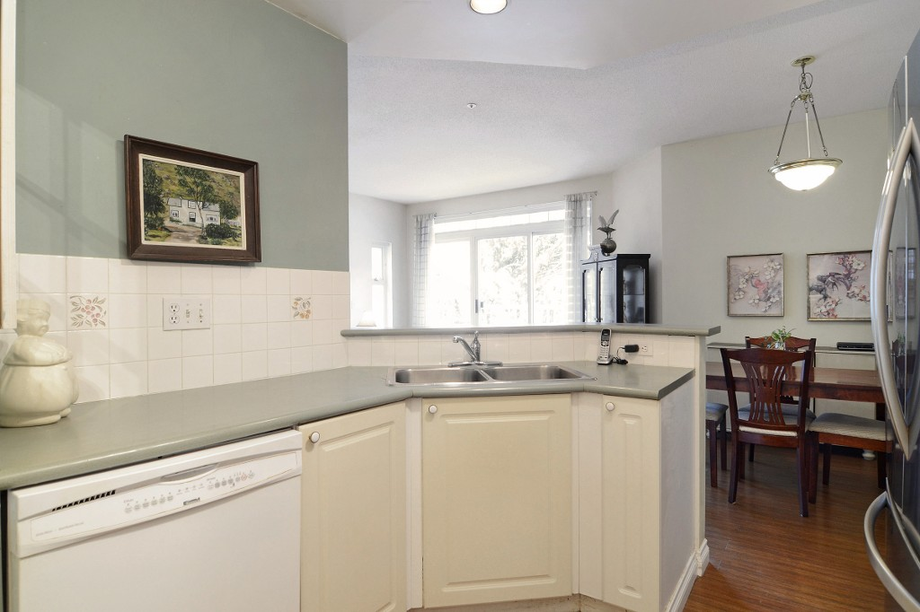 Photo 11: 44 2422 HAWTHORNE Avenue in Port Coquitlam: Central Pt Coquitlam Townhouse for sale : MLS(r) # R2136928