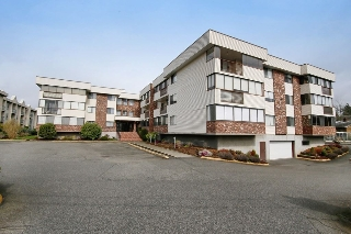 "Main Photo: 216 33369 OLD YALE Road in Abbotsford: Central Abbotsford Condo for sale in ""Monte Vista Villas"" : MLS(r) # R2149604"