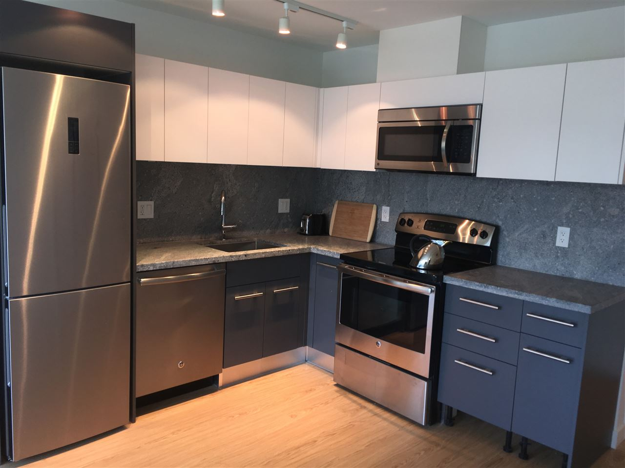 "Photo 5: 603 188 KEEFER Street in Vancouver: Downtown VW Condo for sale in ""188 Keefer"" (Vancouver West)  : MLS(r) # R2151485"