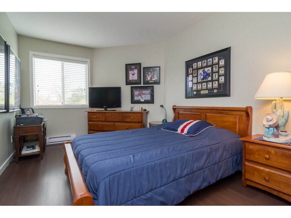 "Photo 15: 206 5710 201 Street in Langley: Langley City Condo for sale in ""WHITE OAKS"" : MLS(r) # R2156064"