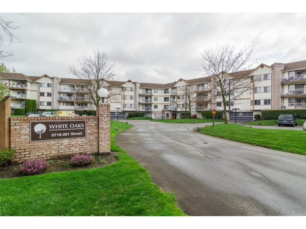 "Main Photo: 206 5710 201 Street in Langley: Langley City Condo for sale in ""WHITE OAKS"" : MLS(r) # R2156064"