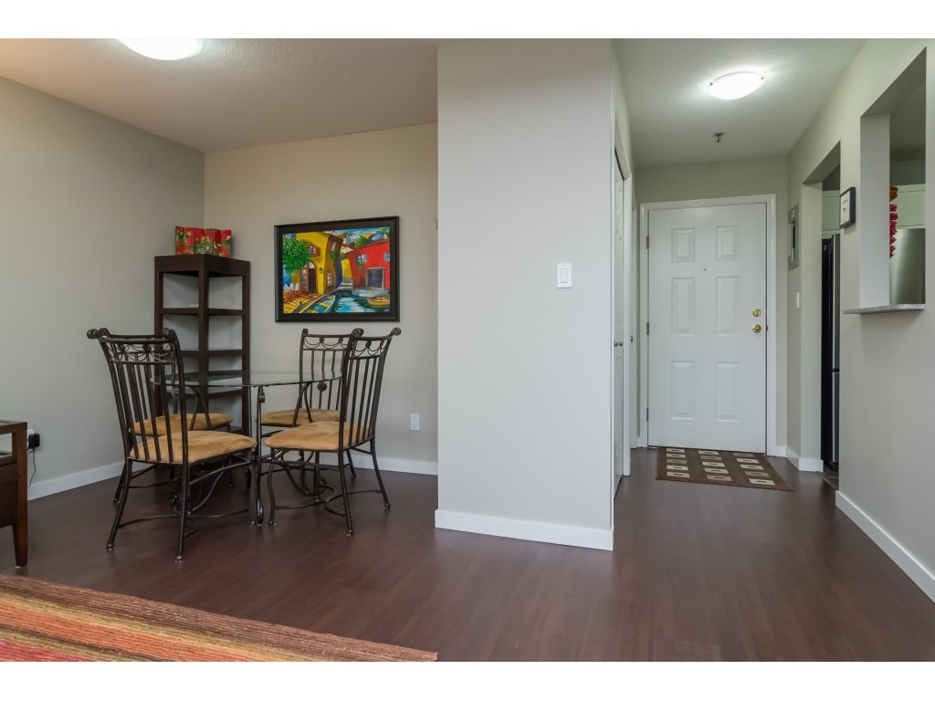 "Photo 6: 206 5710 201 Street in Langley: Langley City Condo for sale in ""WHITE OAKS"" : MLS(r) # R2156064"