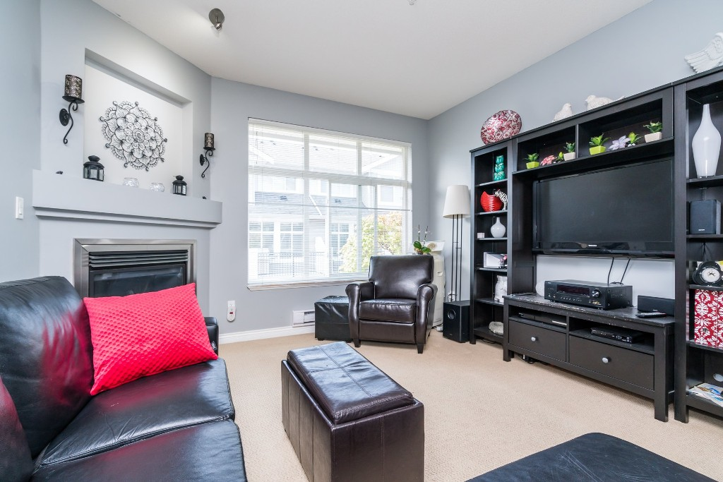 "Photo 5: 17 20449 66 Avenue in Langley: Willoughby Heights Townhouse for sale in ""NATURE'S LANDING"" : MLS(r) # R2163715"