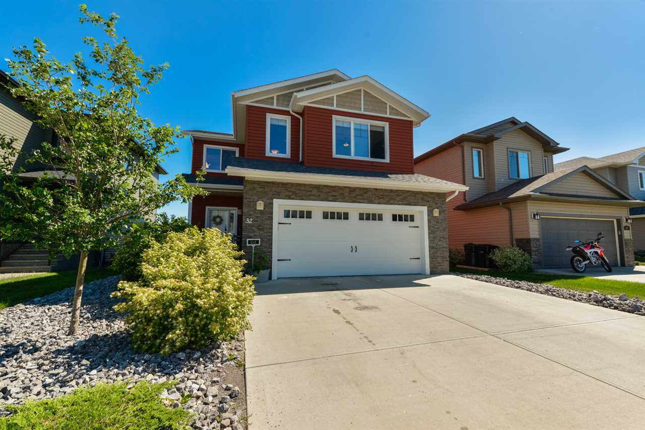 Main Photo: 32 HILLDOWNS Drive: Spruce Grove House for sale : MLS(r) # E4068863