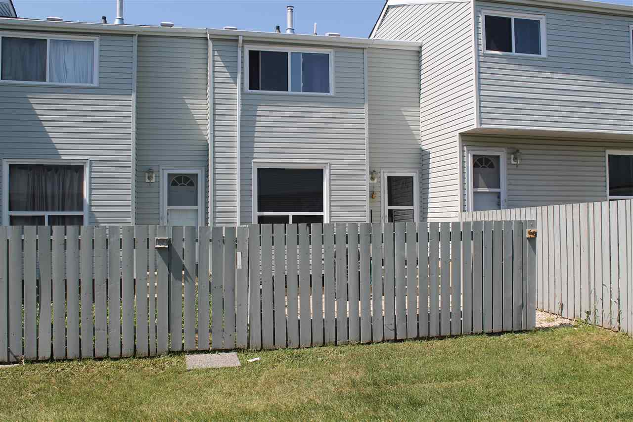 Main Photo: 125 DICKINSFIELD Crest in Edmonton: Zone 02 Townhouse for sale : MLS® # E4072569