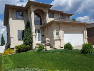 Main Photo:  in Edmonton: Zone 27 House for sale : MLS® # E4080863