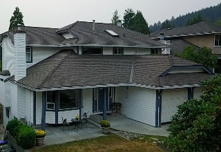 "Main Photo: 536 SAN REMO Drive in Port Moody: North Shore Pt Moody House for sale in ""NORTH SHORE"" : MLS® # R2204199"