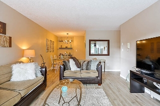 "Main Photo: 107 1860 E SOUTHMERE Crescent in Surrey: Sunnyside Park Surrey Condo for sale in ""Southmere Villa"" (South Surrey White Rock)  : MLS® # R2206670"