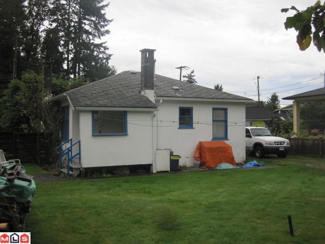 Photo 3: 12261 SULLIVAN Street in Surrey: Crescent Bch Ocean Pk. House for sale (South Surrey White Rock)  : MLS® # F1124169