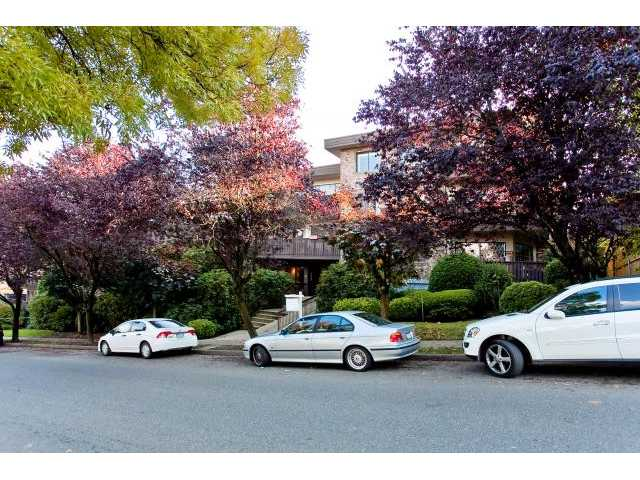 "Main Photo: 104 930 E 7TH Avenue in Vancouver: Mount Pleasant VE Condo for sale in ""Windsor Park"" (Vancouver East)  : MLS®# V918328"