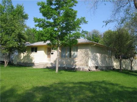 Photo 2: Photos: 66 NORILYN BAY in Winnipeg: Residential for sale (Canada)  : MLS®# 1011846