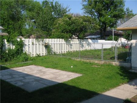 Photo 5: Photos: 66 NORILYN BAY in Winnipeg: Residential for sale (Canada)  : MLS®# 1011846