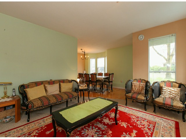 "Photo 3: 101 9942 151ST Street in Surrey: Guildford Condo for sale in ""WESTCHESTER PLACE"" (North Surrey)  : MLS® # F1408752"