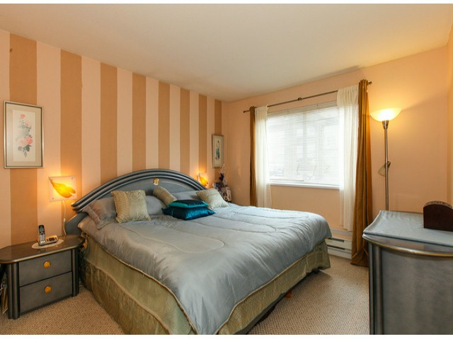 "Photo 7: 101 9942 151ST Street in Surrey: Guildford Condo for sale in ""WESTCHESTER PLACE"" (North Surrey)  : MLS® # F1408752"