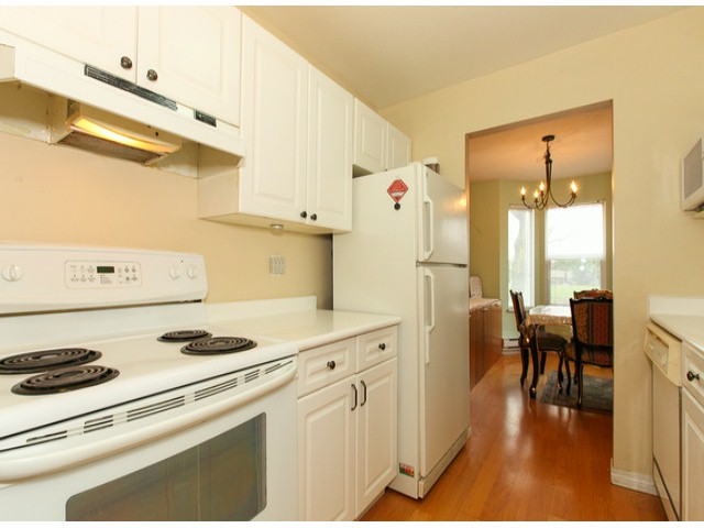 "Photo 6: 101 9942 151ST Street in Surrey: Guildford Condo for sale in ""WESTCHESTER PLACE"" (North Surrey)  : MLS® # F1408752"