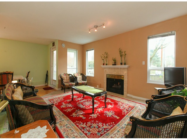 "Photo 2: 101 9942 151ST Street in Surrey: Guildford Condo for sale in ""WESTCHESTER PLACE"" (North Surrey)  : MLS® # F1408752"