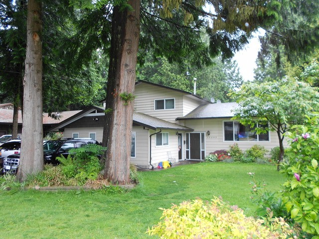 Main Photo: 15095 92 Avenue in Surrey: Fleetwood Tynehead House for sale : MLS® # F1412296