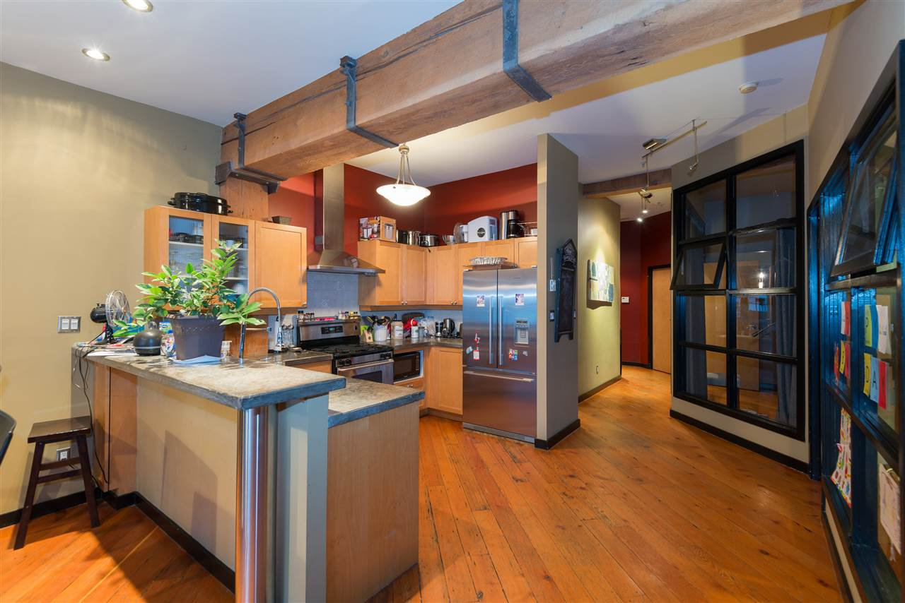 "Photo 7: PH6 1178 HAMILTON Street in Vancouver: Yaletown Condo for sale in ""THE HAMILTON"" (Vancouver West)  : MLS(r) # R2020115"