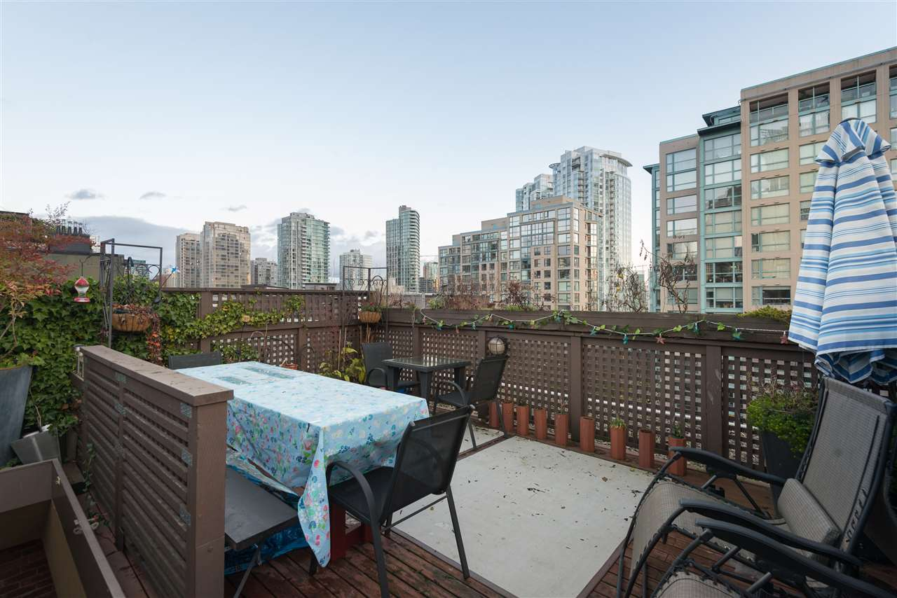 "Photo 14: PH6 1178 HAMILTON Street in Vancouver: Yaletown Condo for sale in ""THE HAMILTON"" (Vancouver West)  : MLS(r) # R2020115"
