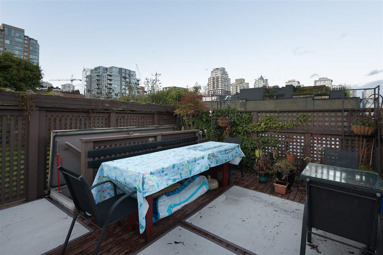 "Photo 15: PH6 1178 HAMILTON Street in Vancouver: Yaletown Condo for sale in ""THE HAMILTON"" (Vancouver West)  : MLS(r) # R2020115"