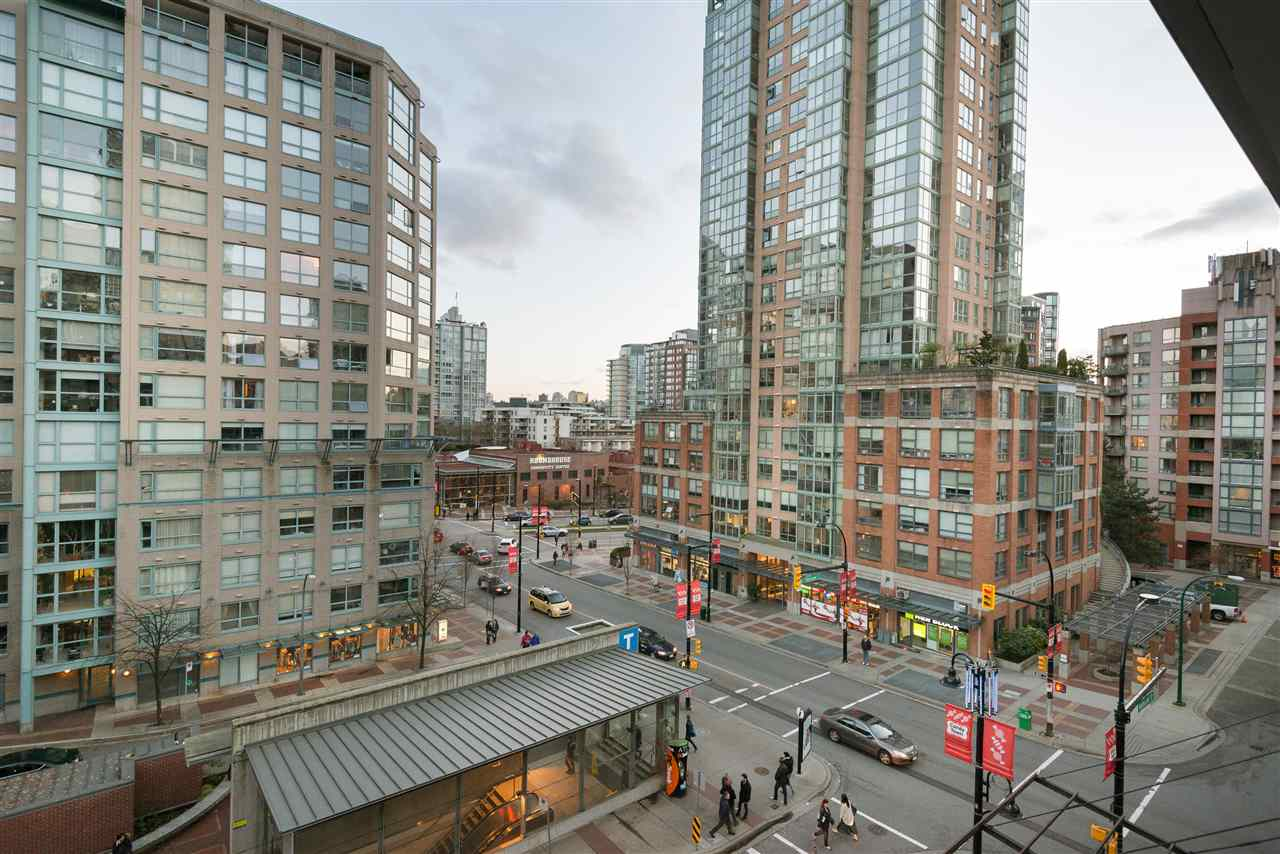 "Photo 17: PH6 1178 HAMILTON Street in Vancouver: Yaletown Condo for sale in ""THE HAMILTON"" (Vancouver West)  : MLS(r) # R2020115"