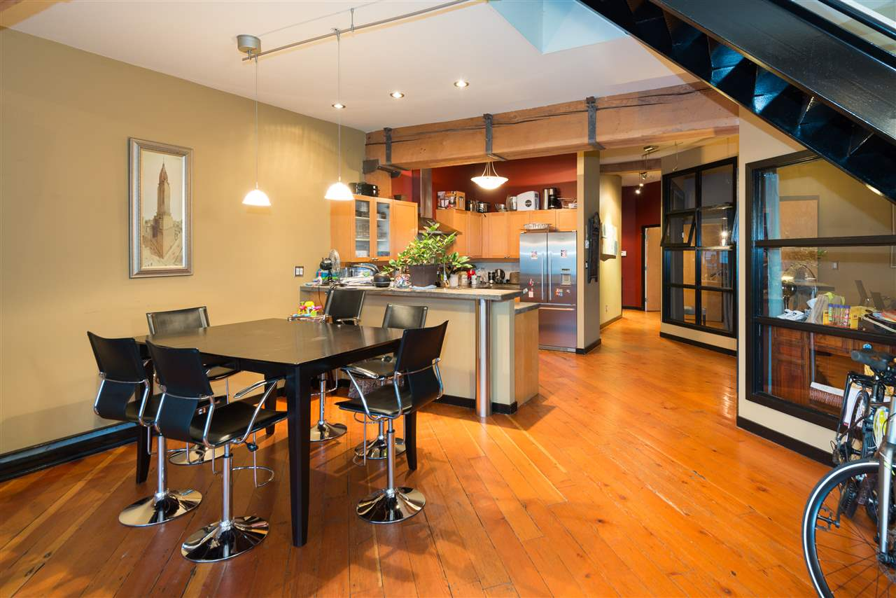 "Photo 6: PH6 1178 HAMILTON Street in Vancouver: Yaletown Condo for sale in ""THE HAMILTON"" (Vancouver West)  : MLS(r) # R2020115"