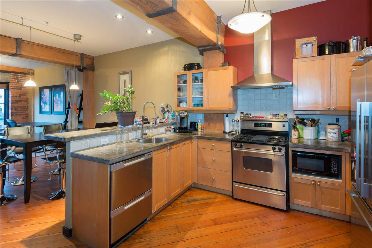 "Photo 8: PH6 1178 HAMILTON Street in Vancouver: Yaletown Condo for sale in ""THE HAMILTON"" (Vancouver West)  : MLS(r) # R2020115"