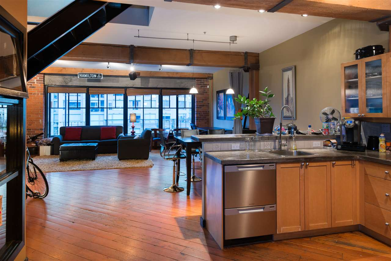 "Photo 9: PH6 1178 HAMILTON Street in Vancouver: Yaletown Condo for sale in ""THE HAMILTON"" (Vancouver West)  : MLS(r) # R2020115"