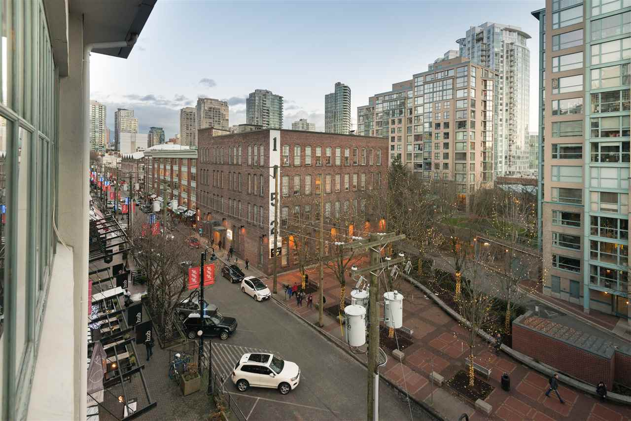 "Photo 16: PH6 1178 HAMILTON Street in Vancouver: Yaletown Condo for sale in ""THE HAMILTON"" (Vancouver West)  : MLS(r) # R2020115"
