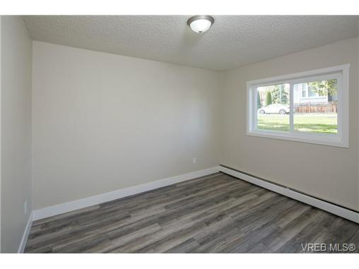 Photo 11: 10 3225 Eldon Place in VICTORIA: SW Rudd Park Condo Apartment for sale (Saanich West)  : MLS(r) # 358916