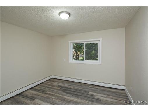 Photo 13: 10 3225 Eldon Place in VICTORIA: SW Rudd Park Condo Apartment for sale (Saanich West)  : MLS(r) # 358916