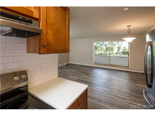 Photo 9: 10 3225 Eldon Place in VICTORIA: SW Rudd Park Condo Apartment for sale (Saanich West)  : MLS(r) # 358916
