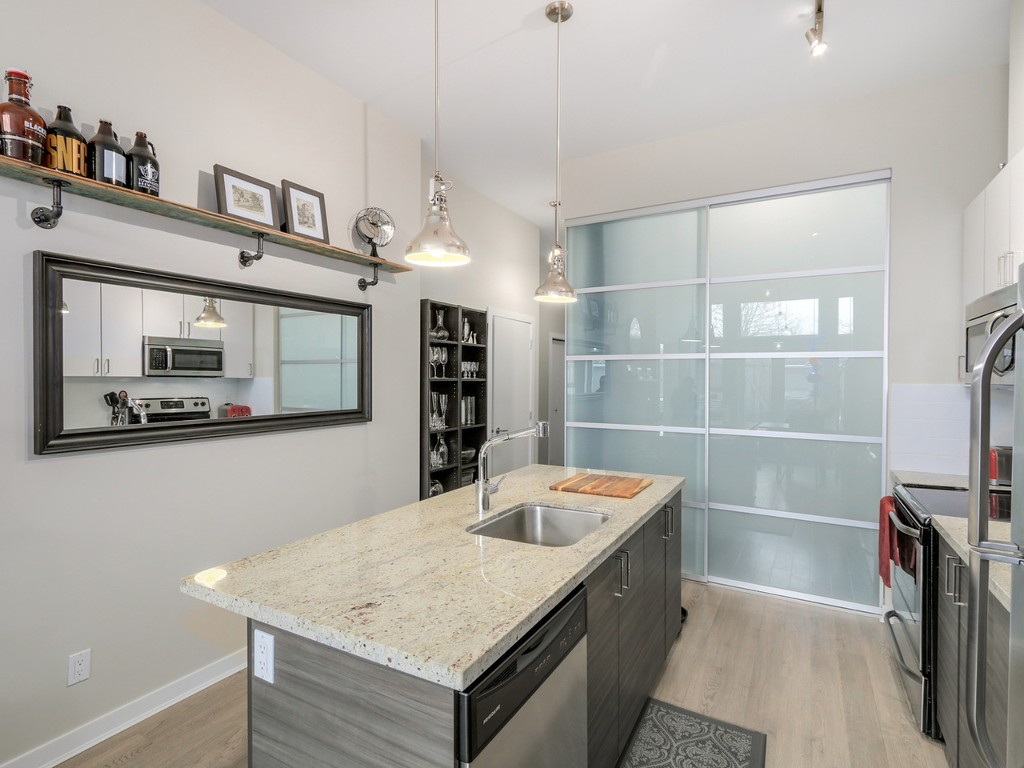 "Photo 3: 106 3688 INVERNESS Street in Vancouver: Knight Condo for sale in ""Charm"" (Vancouver East)  : MLS® # R2045908"