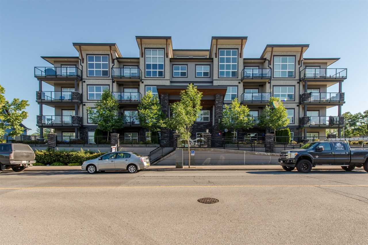 "Main Photo: 204 20630 DOUGLAS Crescent in Langley: Langley City Condo for sale in ""BLU"" : MLS®# R2089681"