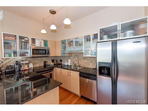 Photo 5: 404 845 Yates Street in VICTORIA: Vi Downtown Condo Apartment for sale (Victoria)  : MLS(r) # 374155