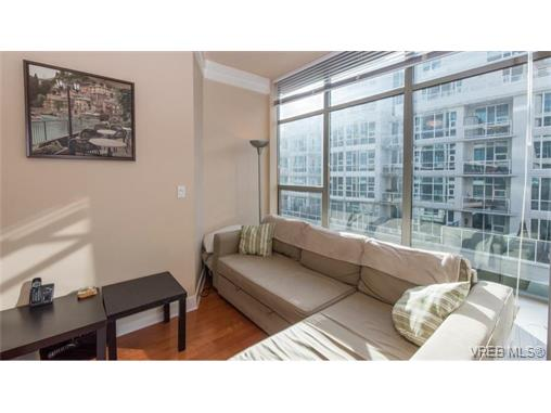 Photo 3: 404 845 Yates Street in VICTORIA: Vi Downtown Condo Apartment for sale (Victoria)  : MLS(r) # 374155