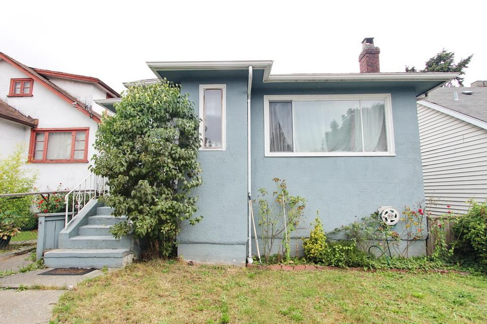 Main Photo: 4805 KNIGHT Street in Vancouver: Knight House for sale (Vancouver East)  : MLS® # R2141439