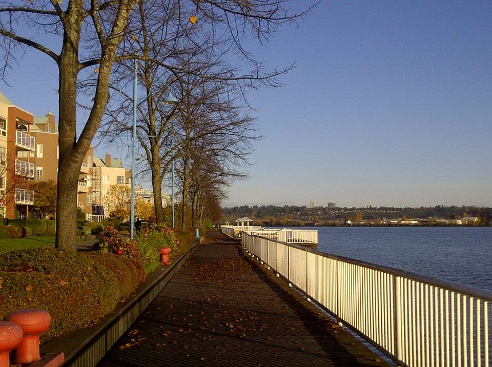 "Photo 18: 1606 10 LAGUNA Court in New Westminster: Quay Condo for sale in ""LAGUNA LANDING"" : MLS® # R2149648"