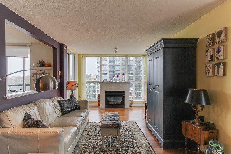 "Photo 4: 1606 10 LAGUNA Court in New Westminster: Quay Condo for sale in ""LAGUNA LANDING"" : MLS® # R2149648"