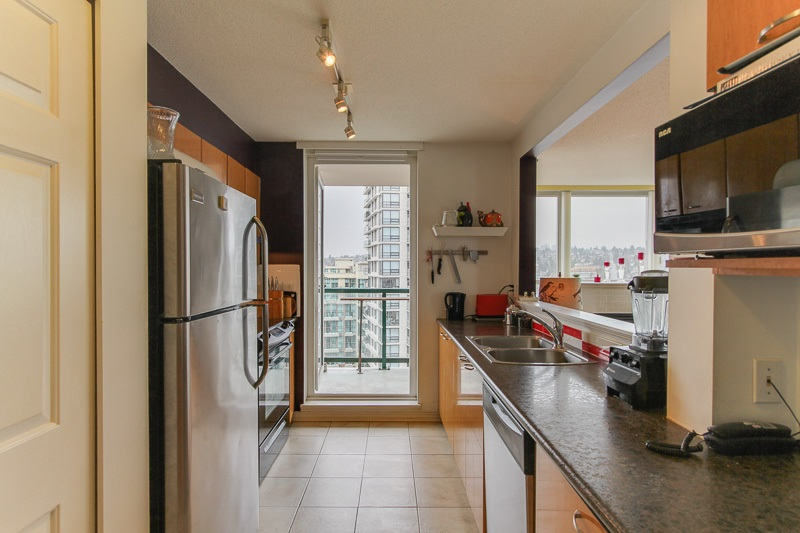 "Photo 8: 1606 10 LAGUNA Court in New Westminster: Quay Condo for sale in ""LAGUNA LANDING"" : MLS® # R2149648"
